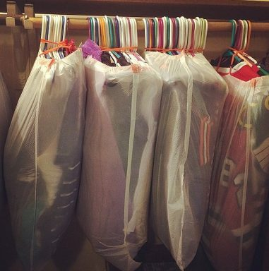 top-50-moving-hacks-and-tips-ideas-to-make-your-move-easier-bags-to-pack-clothes-l-2c87c8ddd02679ca